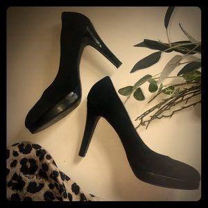 Jessica Simpson Black Suede Pumps  Size 9 1/2